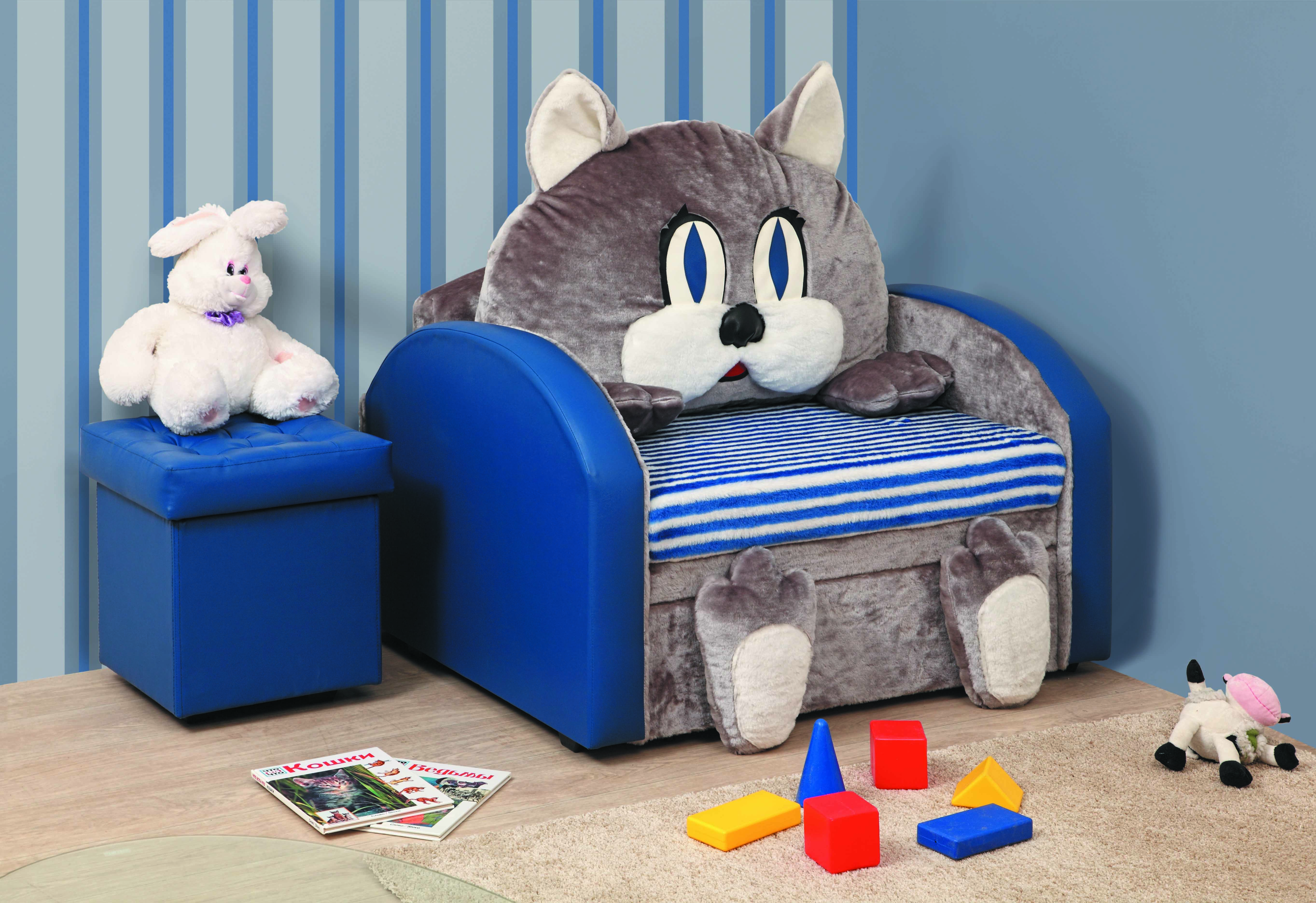 Cat furniture and toys